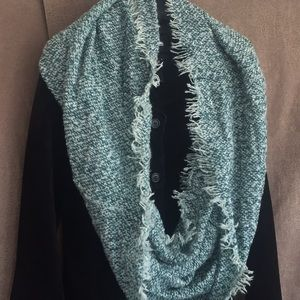 💚warm cute white teal fringed infinity scarf P197